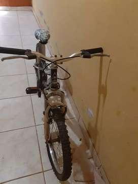 Vendo bicicleta monark en buen estado