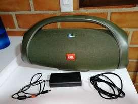 Parlante JBL boombox original con cargador originan 20 hr de reproducción