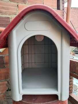 Casa Para Mascotas Petizoos; 100% Polipropileno 75x59,2x66cm