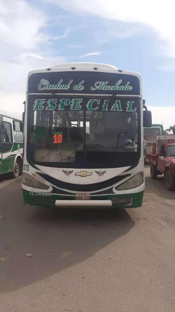 Se vende bus izusu ftr año 2008 0