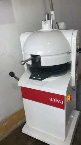 Boleadora semiautomática de 36 bolos marca SALVA