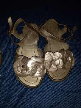vendo sandalias talla 29  30