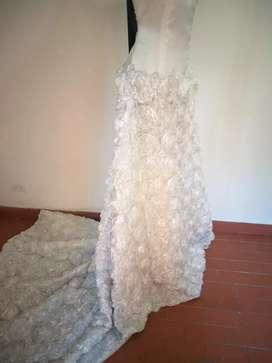 Trajes de novia en encaje francés