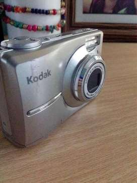 Camara Kodak C713