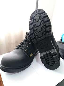 Botas puntas de acero