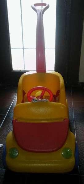 Auto de paseo bebés Rotoys