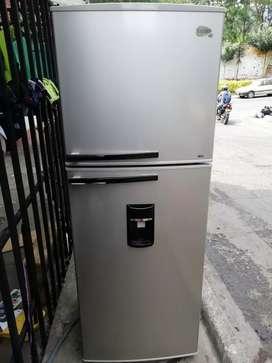 Nevera centrales no frost 370 litros con garantía y acarreo gratis