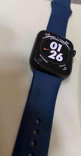 Apple watch serie 5 version nike 44mm