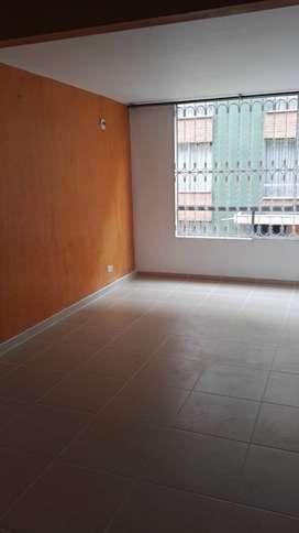 Se arrienda apartamento cerca al centro comercial Hayuelos. Portal de Modelia III.Apartamento de 65 m2, 3 habitaciones,