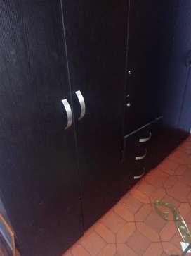 Vendo closet 2 puertas grande
