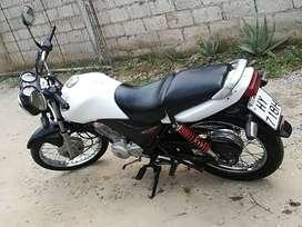 Se vende moto honda 150