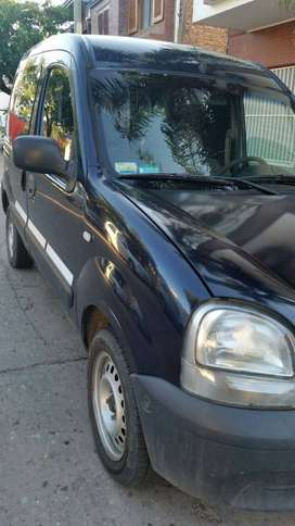 Vendo Kangoo Diesel 2007 Aire Acond. puerta lateral, etc