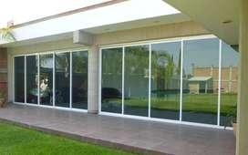 puerta y ventanas en aluminio