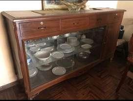 Mueble de madera antiguo en perfecto estado