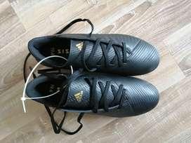 Guayos Adidas Nemesis nuevos Talla 37 - US 6.5