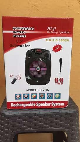 Vendo Mini Parlante Profesional De 6.5 Pulgadas Tiene De Todo Completo Radio FM, Memoria SD, Blutho, USB, Auxiliar...