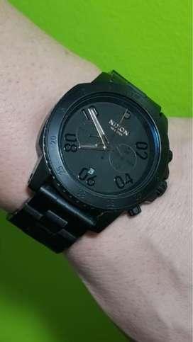 Vendo reloj Nixon negro!!