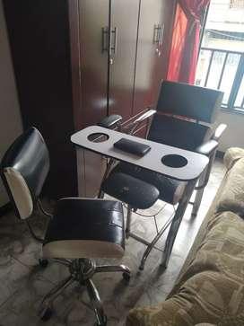 Se vende silla de manicure y pedicure