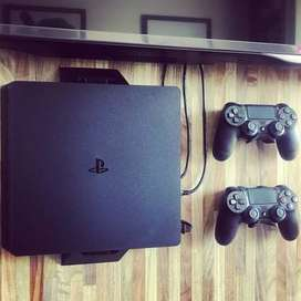 SOPORTE DE PARED PS4 SLIM + 2 SOPORTES JOYSTICK