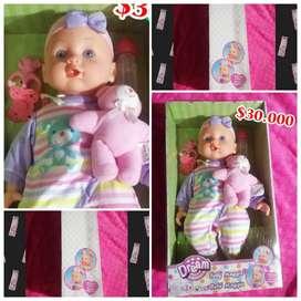Lindas muñecas en venta cada una tiene su precio en la foto