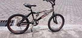 Se vende bicicleta usada en excelente estado