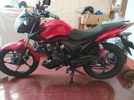 Se vende Moto Akt Evo R3 125
