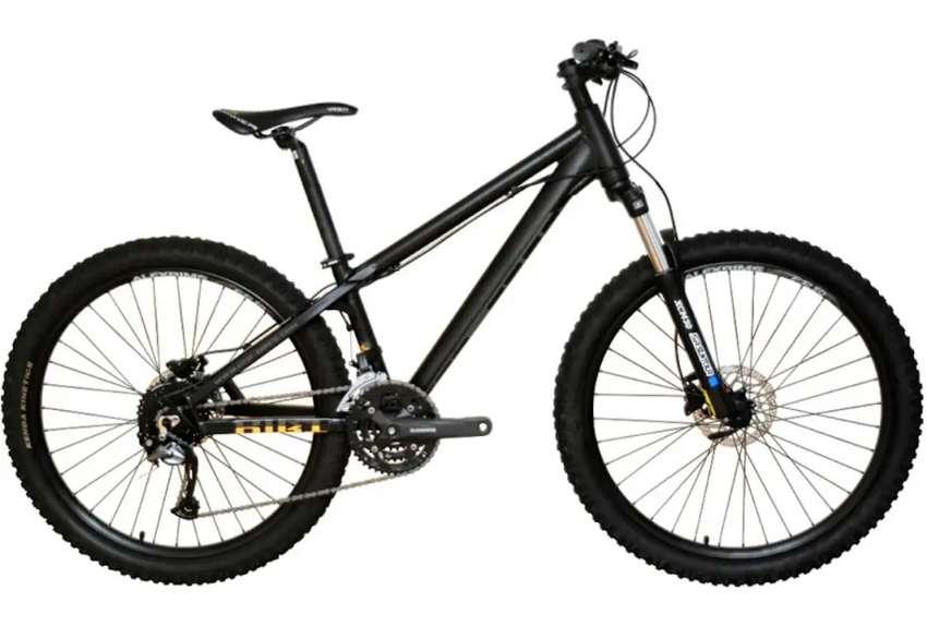 "Bicicleta GER Dirt DJ5 Aro 26"" Aluminio Alexrims  27 velocidades Shimano Acera Sistema de frenos de disco hidráulico 0"