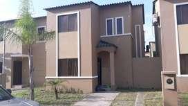 Alquiler de casa amoblada en Urb. La Joya etapa Gema