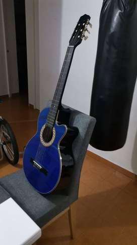 Vendo Guitarra Casi Nueva pocos usos