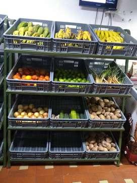 Soporte más canastas para supermercado