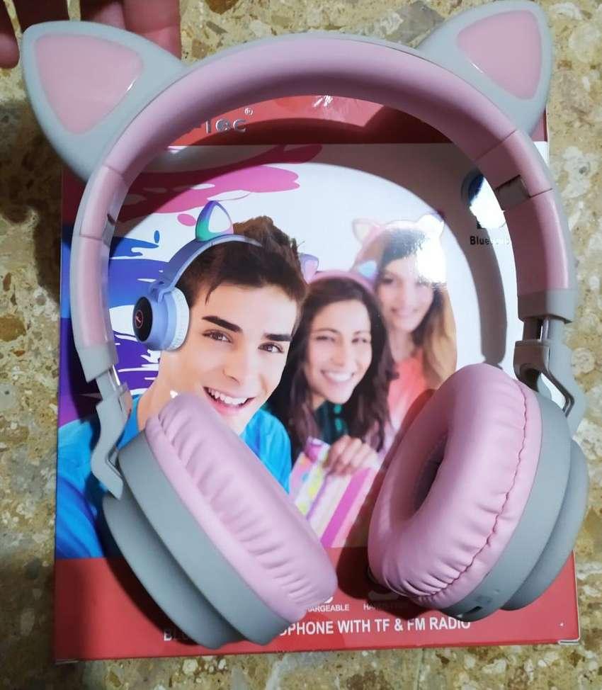 Audífonos Bluetooth 5.0 Luminosos 0