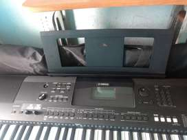 Vendo Piano Yamaha Psr Ew400