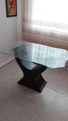 Mesa comedor con vidrio
