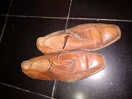 Zapatos de cuero impecables