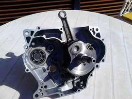 Repuestos originales Suzuki DR 350 93 en excelente estado, consultar