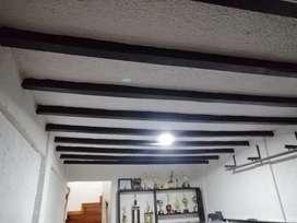 Ofrecemos nuestros servicios de remodelaciones y construcciónes en general.