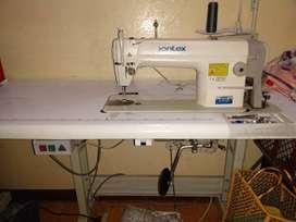 Maquinas de coser y fileteadora industrial