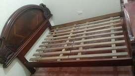 Vendo Hermoza cama Cuencana