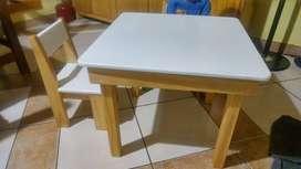 mesa +2 sillas para niños