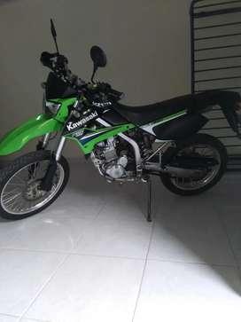 Vendo klx  250  en muy buen estado