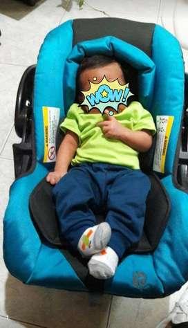 coche para bebe grande y silla del carro