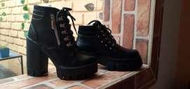 Se busca guarnesedores y soladores de calzado en Medellin