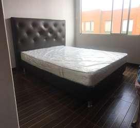 Base cama y espaldar de El doracho junto colchon ortipedico.
