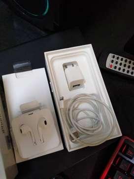 iPhone 7 32 GB Libre iCloud y red Con accesorios y carcasa