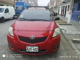 Vendo Toyota Yaris gnv
