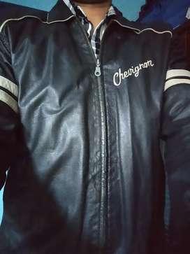 chaqueta cuero chevignon
