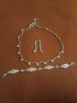 Se vende joyas de plata gargantilla manilla y aretes