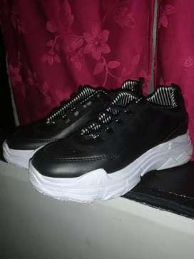 Vendo zapatos. Para mujer