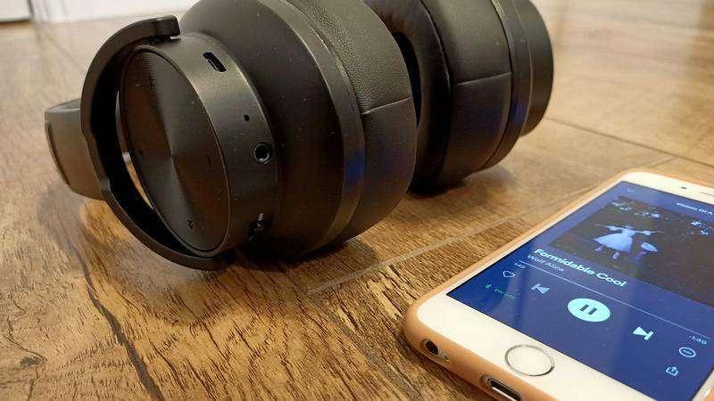 Super Bajos Gamer Batería Audifono Bluetooth/Cable Mega Bajos Ultra Profundos Mic HiFi Alta Calidad Fidelidad - 8888