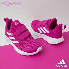 Adidas: Tenis AltaRun CF K